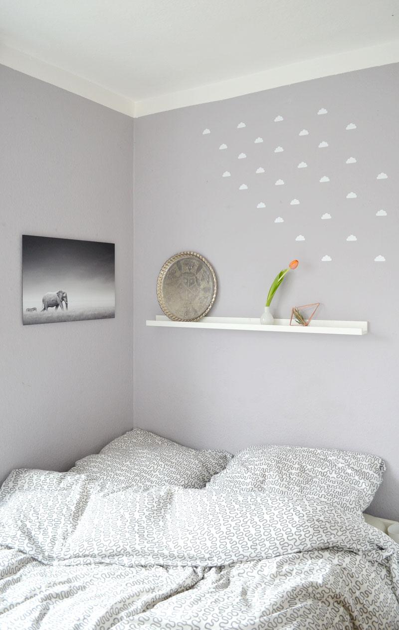auf wolke 7 meine schlafzimmerdeko mit neuem bild und. Black Bedroom Furniture Sets. Home Design Ideas
