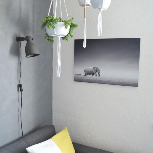 diy_makramee_blumenampel_modern_betonwand
